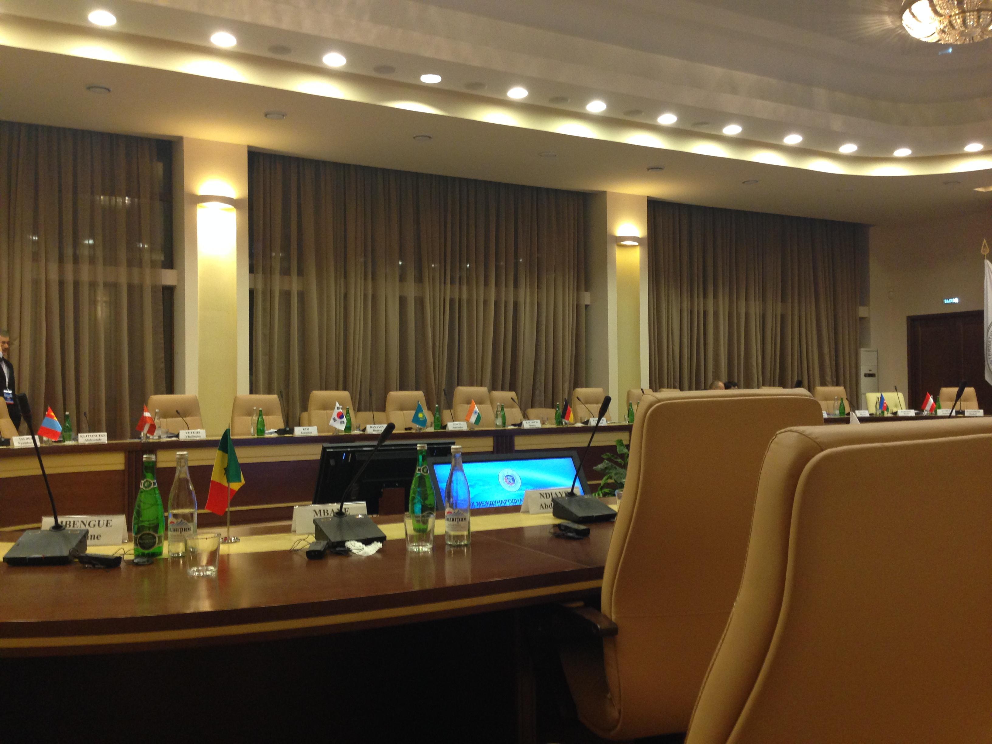Синхронный и последовательный перевод на международных конференциях и переговорах